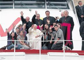 1190794w288  Papa en Gozo