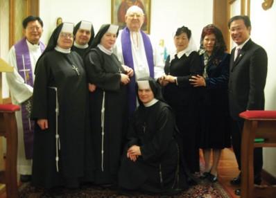 2010_2_28IMG_8916-1  milagro eucaristico testigos